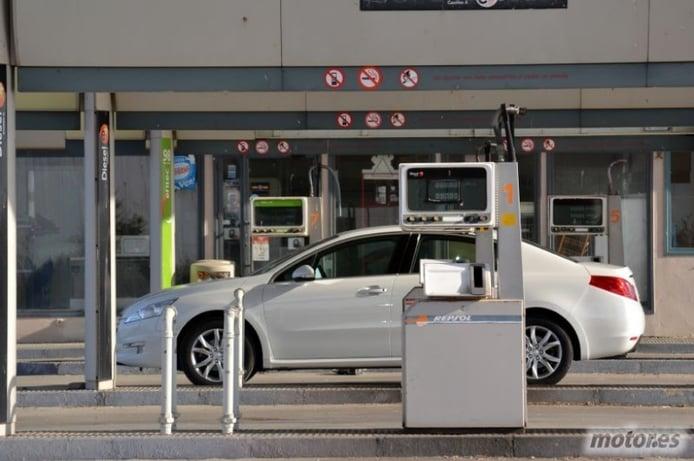 Ahorra gasolina: Diez consejos para que tu depósito dure más