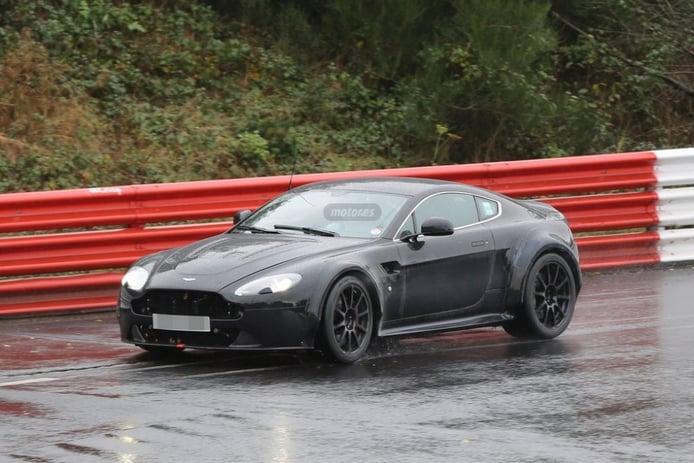 Un prototipo de Aston Martin Vantage, ¿con el nuevo motor Mercedes-Benz AMG?