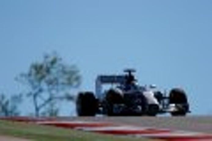 Hamilton se lleva la FP3 más fría de la temporada