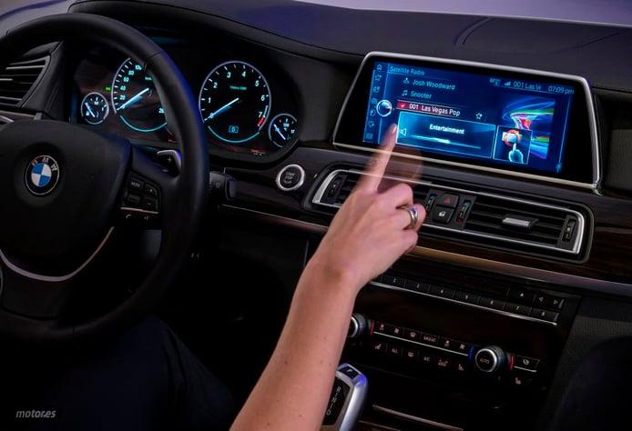 BMW presenta su nuevo iDrive: con pantalla táctil y reconocimiento de gestos