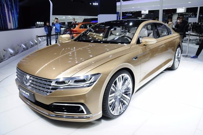 Volkswagen C Coupé GTE, ante una nueva clase Premium