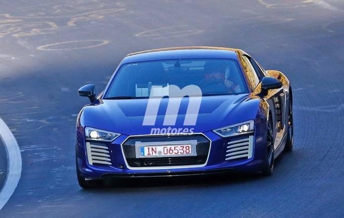 Audi R8 e-tron 2016, al natural en Nürburgring