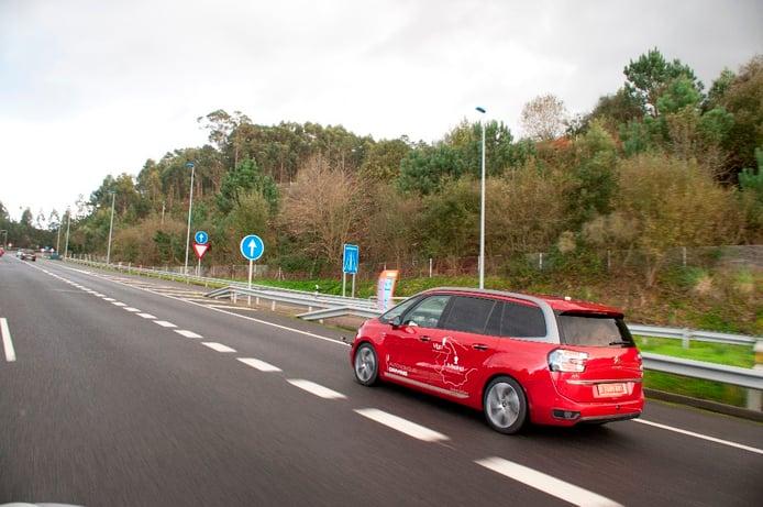 ¿Cómo es el coche autónomo de Peugeot Citroën que está recorriendo España?