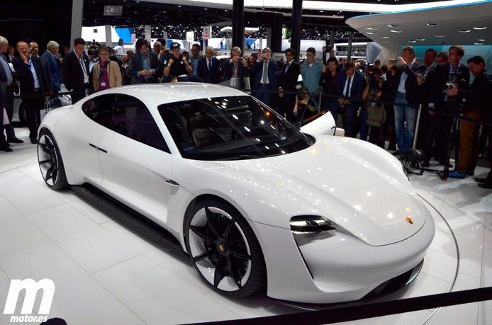 Oficial: El Porsche Mission E 100% eléctrico tiene luz verde para su producción