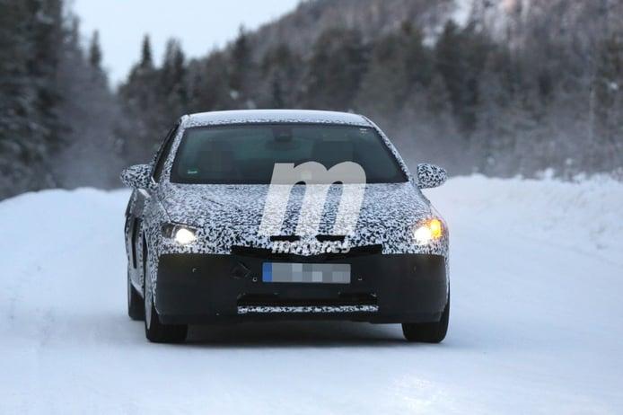 Opel Insignia 2017, de nuevo en pruebas bajo la nieve