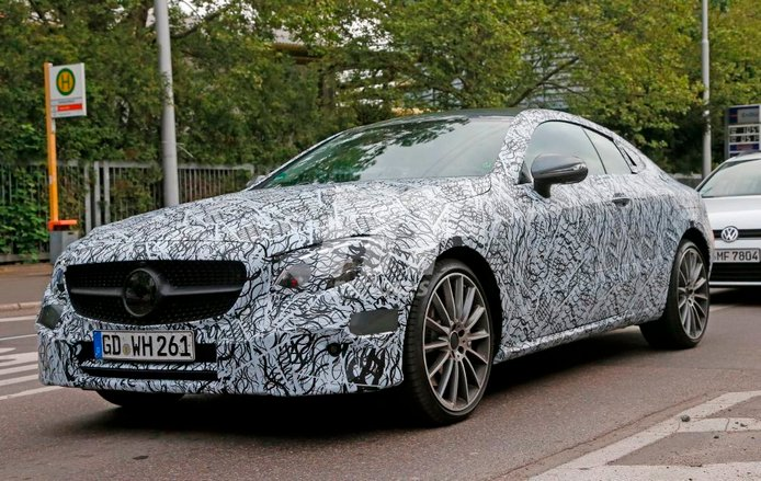 El interior del Mercedes Clase E Coupé 2017 al descubierto