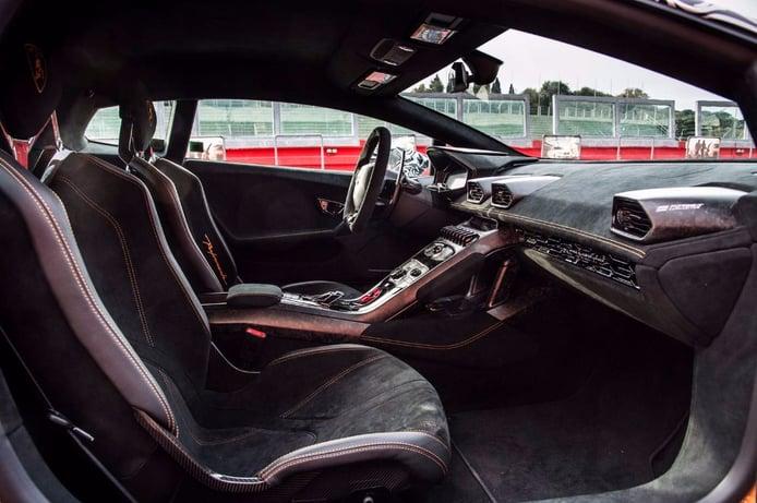 Lamborghini Huracan Performante: Primera imagen del interior definitivo