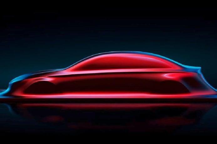 Mercedes muestra el nuevo diseño de sus modelos compactos con una escultura