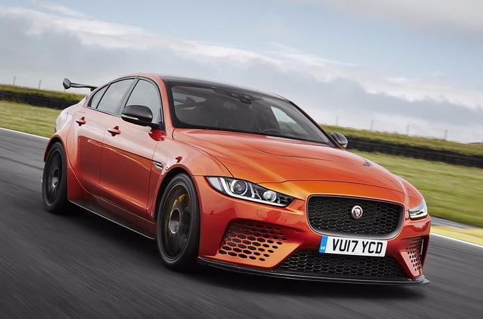 Jaguar XE SV Project 8: el coche de calle más potente de la marca ya es oficial