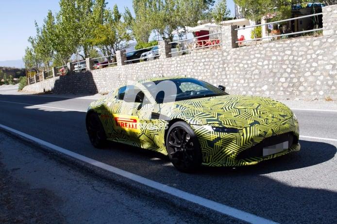 El Aston Martin V8 Vantage se pasea por España y nos pone los dientes largos
