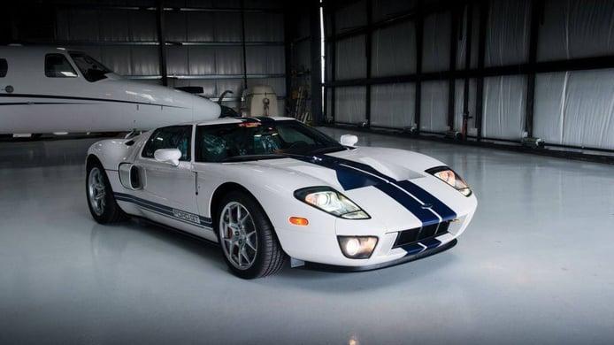 Impecable Ford GT 2006 a estrenar con solo 17 kilómetros