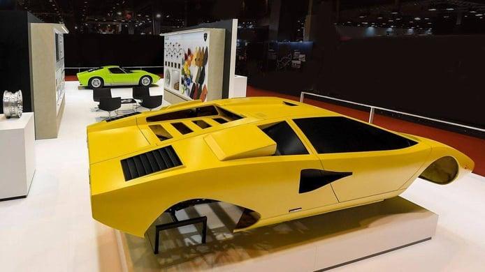 Lamborghini Polo Storico presenta dos magníficos Miura y Countach