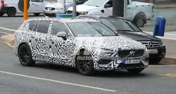 El nuevo Volvo V60 2018 pierde camuflaje antes de su paso por Ginebra