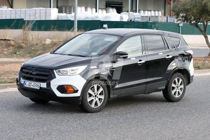 La nueva generación del Ford Kuga cazada durante sus pruebas