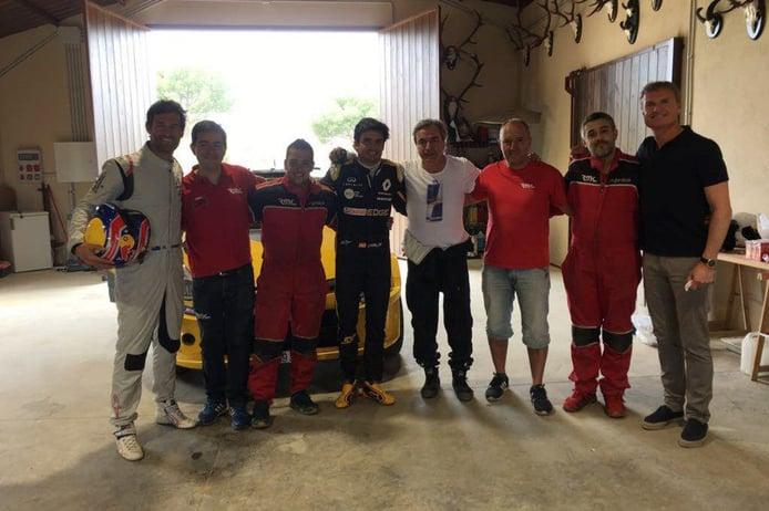 Webber, Coulthard y los Sainz prueban el Renault Clio N5