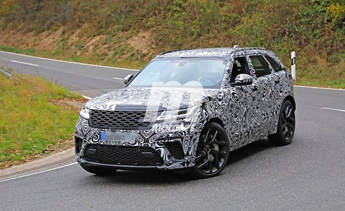 La esperada versión SVR del Range Rover Velar sigue perdiendo camuflaje