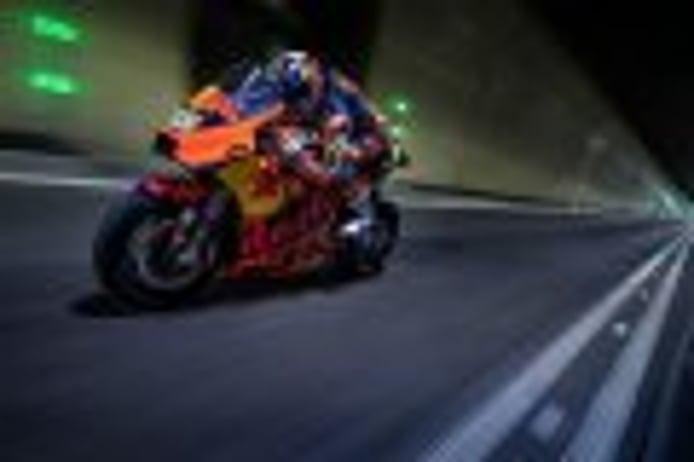 Así suena la KTM RC16 de MotoGP en un túnel de ocho kilómetros