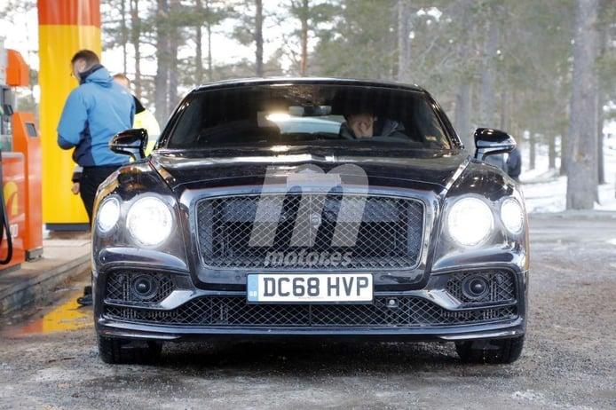 La nueva generación del Bentley Flying Spur se destapa en las pruebas de invierno