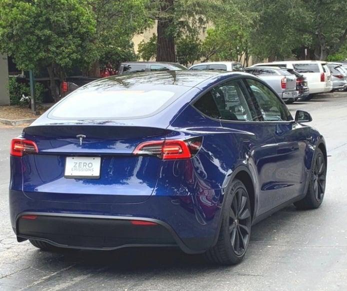 El nuevo Tesla Model Y avistado en la calle por primera vez