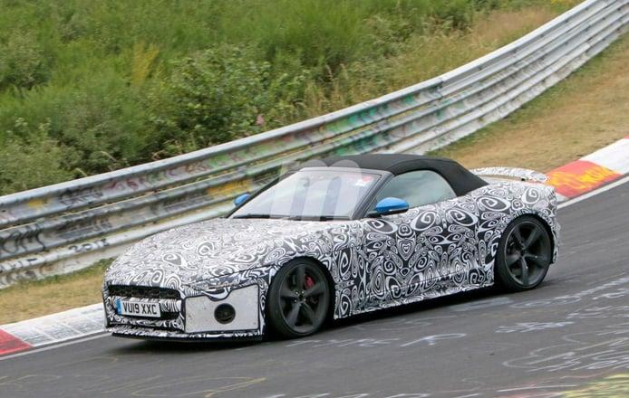 El nuevo Jaguar F-Type Convertible V8 queda al descubierto en el Ring