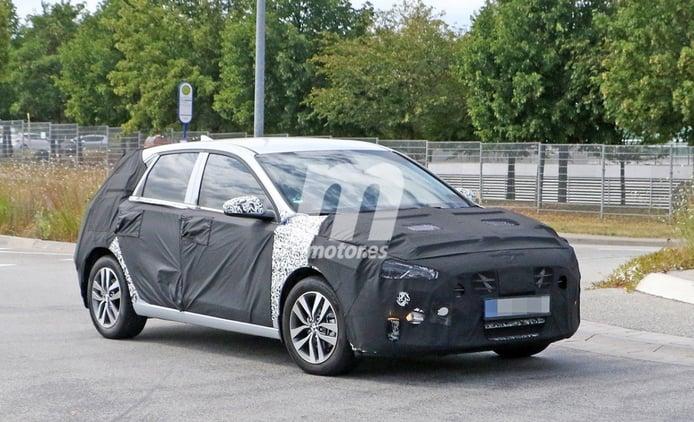 Hyundai i30 híbrido enchufable, ¡primeras fotos espía del compacto electrificado!