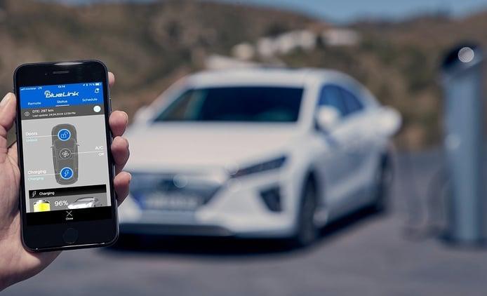 Hyundai lanza Bluelink Connected Car Series, llegará a todos sus modelos
