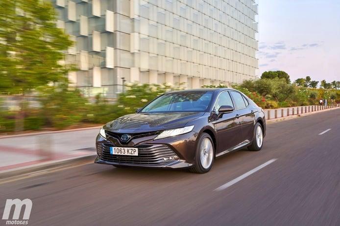Toyota Camry 2020, la berlina híbrida aterriza en España