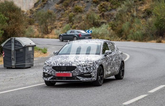 ¡Cazado el nuevo SEAT León PHEV! Un vistazo al futuro compacto híbrido enchufable