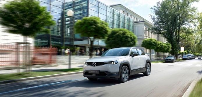 Mazda MX-30: el nuevo eléctrico resulta ser un peculiar crossover coupé