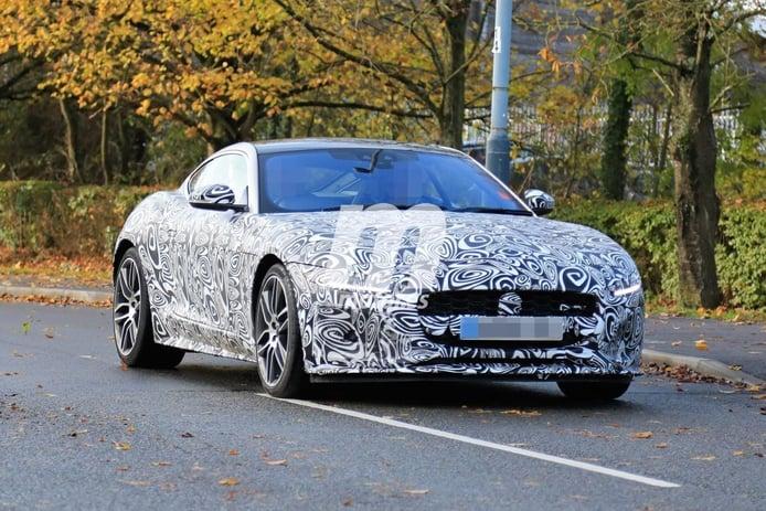 Los nuevos Jaguar F-TYPE Coupé y Roadster 2021 posan en nuevas fotos espía