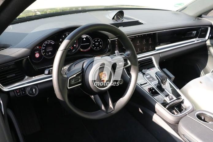 Nuevas fotos espía del Porsche Panamera Facelift muestran cambios en el interior