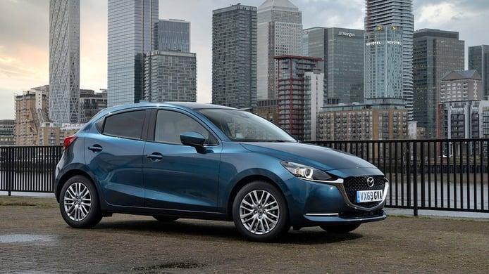 Todos los precios del nuevo Mazda2 2020, el utilitario japonés se actualiza
