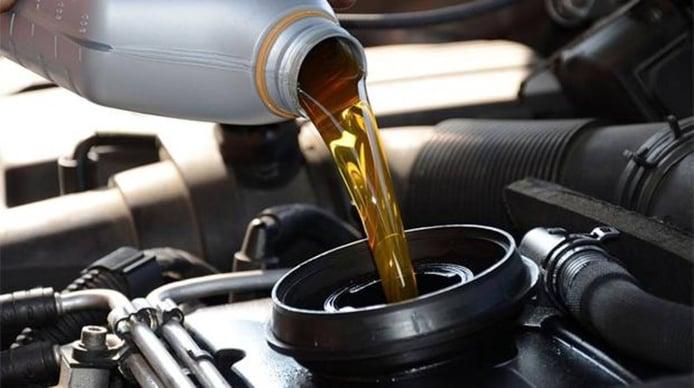Aceites long life: qué son, qué aportan y cómo usarlos en tu coche