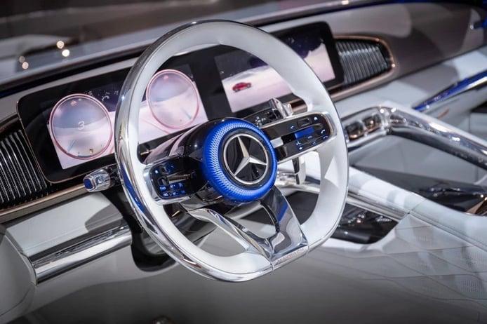 Al descubierto la nueva generación de volantes de Mercedes, gracias a una filtración