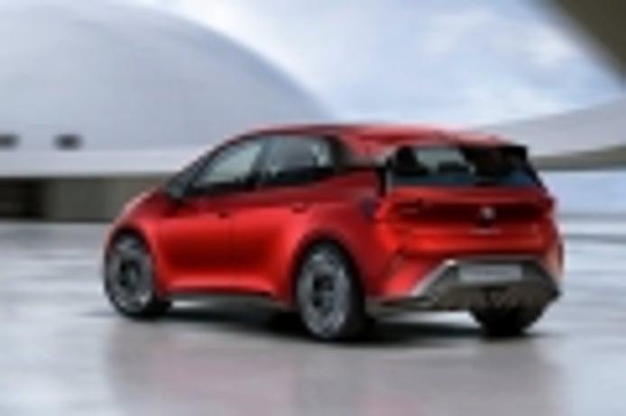SEAT estudia ofrecer una futura opción básica y de menor potencia en el eléctrico el-Born