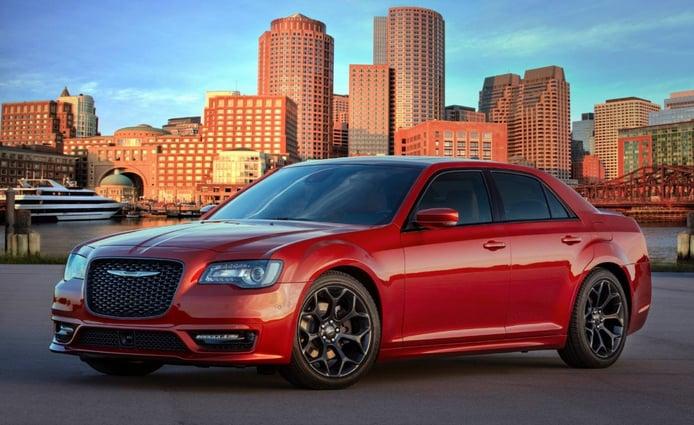 El Chrysler 300 estrena pequeñas novedades en 2020 mientras sigue a la deriva