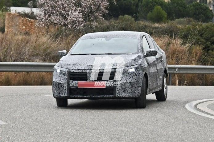 Primeras fotos espía del Dacia Logan 2021, la berlina rumana comienza sus pruebas