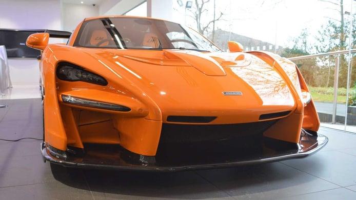 Avistado un nuevo McLaren Senna LM en uno de los concesionarios de la marca