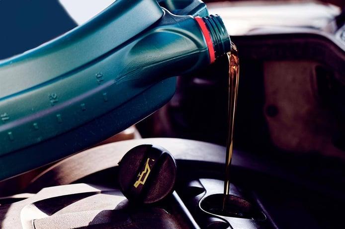 Nivel de aceite bajo ¿a qué se debe, qué riesgo hay y cómo solucionarlo?