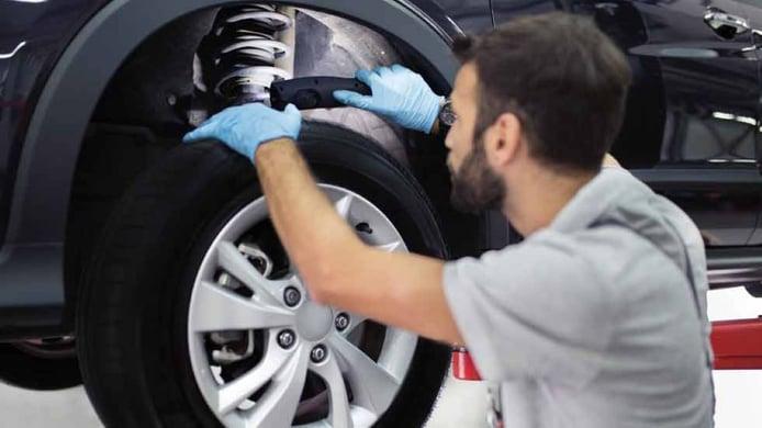 ¿Cada cuánto se cambian los amortiguadores del coche?