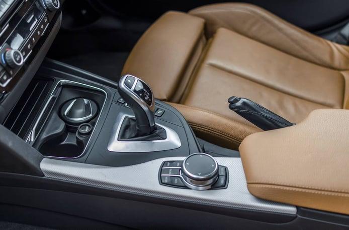 ¿Cómo conducir un coche automático?