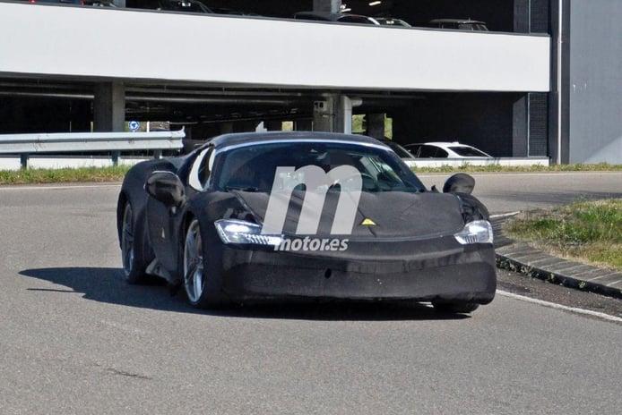 El nuevo Ferrari SF90 Spider cazado por primera vez en Maranello