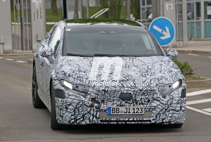 El nuevo Mercedes EQS, segundo eléctrico de la firma, debutará en verano de 2021