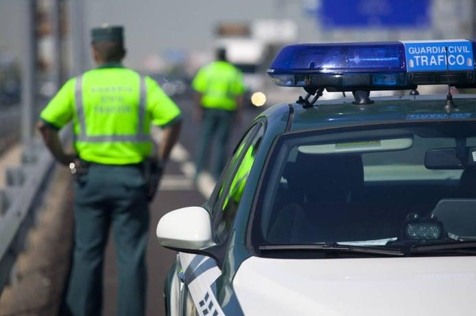 ¿Cuál es la multa por conducir sin carnet de conducir provisional?
