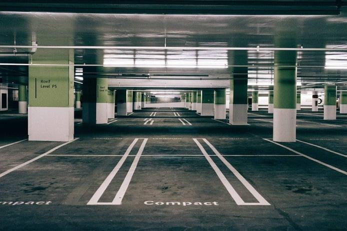 Referencias para aparcar: trucos para dejar bien el coche a la primera