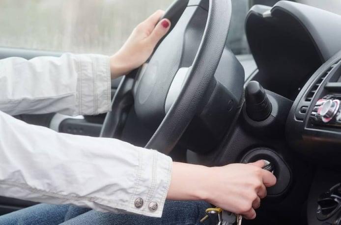 Qué hacer cuando un coche automático no arranca
