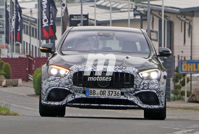 El Mercedes-AMG E 63 Berlina 2021 afronta sus últimas pruebas en Nürburgring