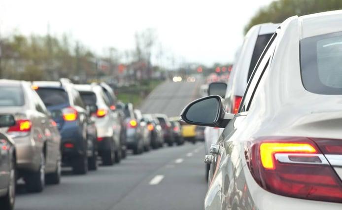 ¿Cuánto es la multa por conducir en sentido contrario?