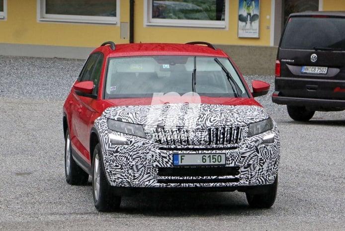 El prototipo del Skoda Kodiaq Facelift vuelve a dejarse ver un año después en los Alpes