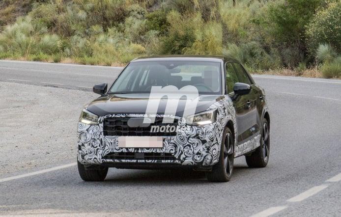 El nuevo Audi Q2 2021 cazado a plena luz del día, ¡se avecina un lavado de cara!